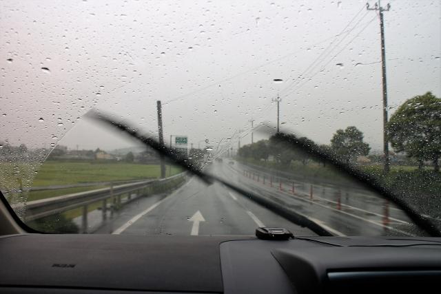 雨の日のワイパー